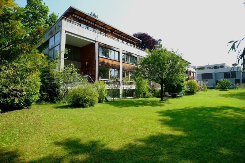 Einzigartiges 7.5 Zimmer Haus: 180 m2 Wohnraum, mit Sitzplatz, Attikabalkon und Garten
