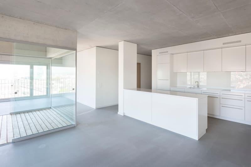 Küche, Loggia und Wohnzimmer