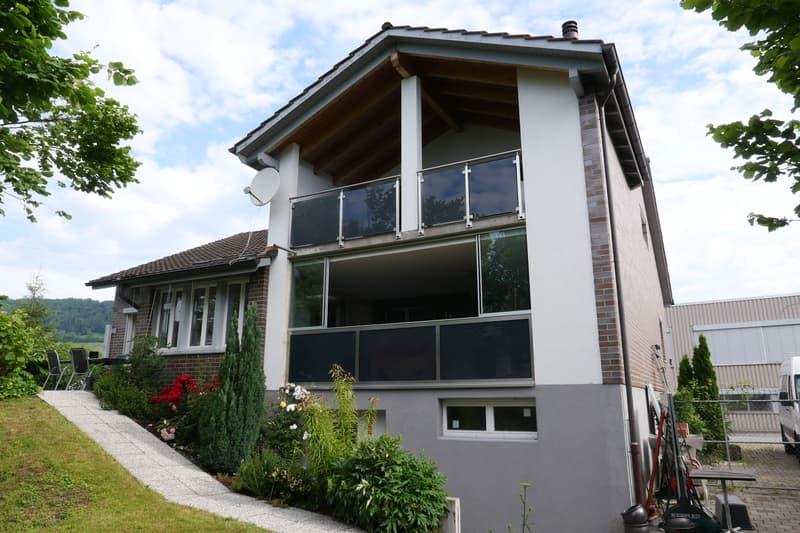 attraktive 3 1/2-Zimmer-Dachwohnung an ruhiger Wohnlage mit zwei Aussenabstellplätzen
