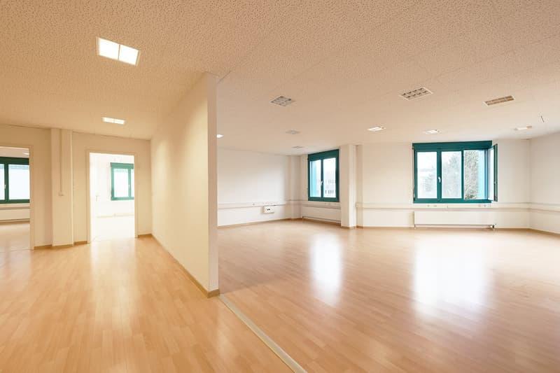 Optimale Büroflächen in Grenznähe ab 37m2 bis 524m2
