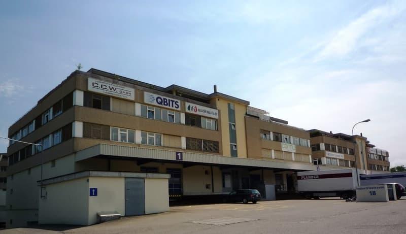 Büro-/Gewerbe-/Lagerflächen von 18m² bis ca. 250m² zu einem sensationeller Mietzins ab CHF 80.00/m²