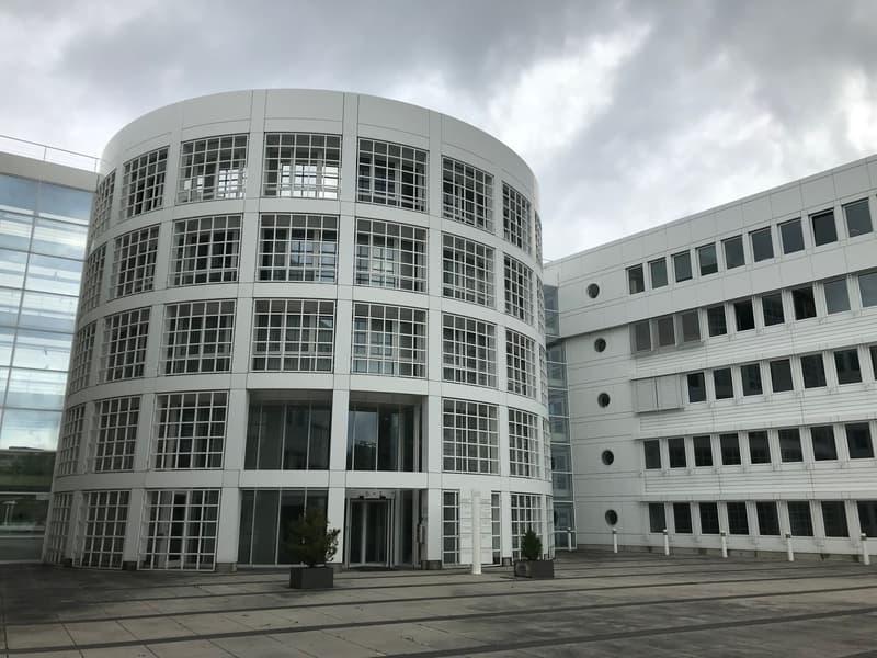 A louer bureau 238 m2 à Renens (bail de courte durée possible)