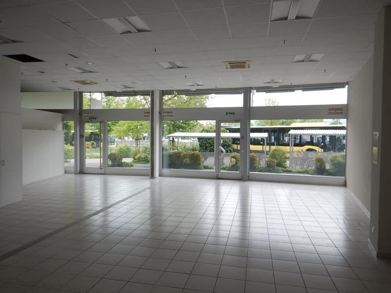 Am Bahnhofplatz (bei Post) - Laden-/Gewerbefläche Panoramastrasse 5