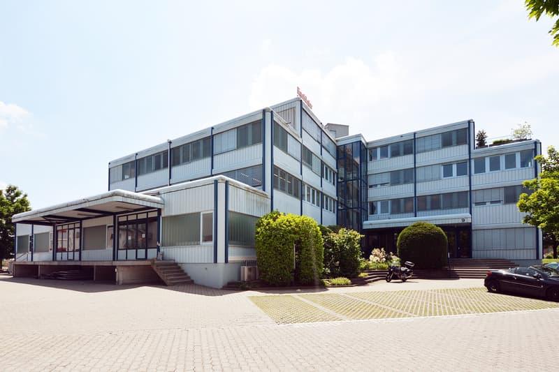 Grosszügige Büroflächen an verkehrsgünstiger Lage (2)