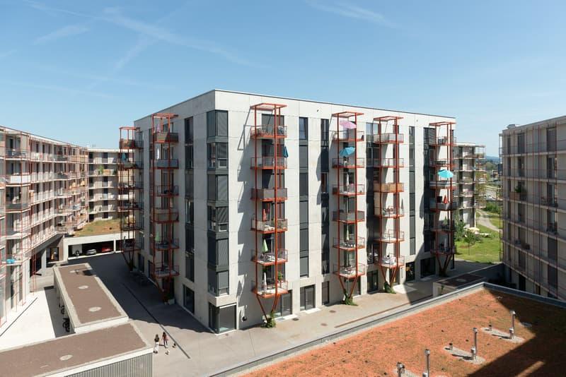 Bezahlbare Ateliers und Gewerberäume 103 und 115 m2 in Zwicky Süd