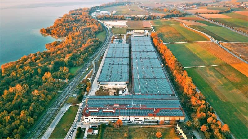 Halle logistique, stockage de 3000 m2 à louer à 30 mns de Lausanne