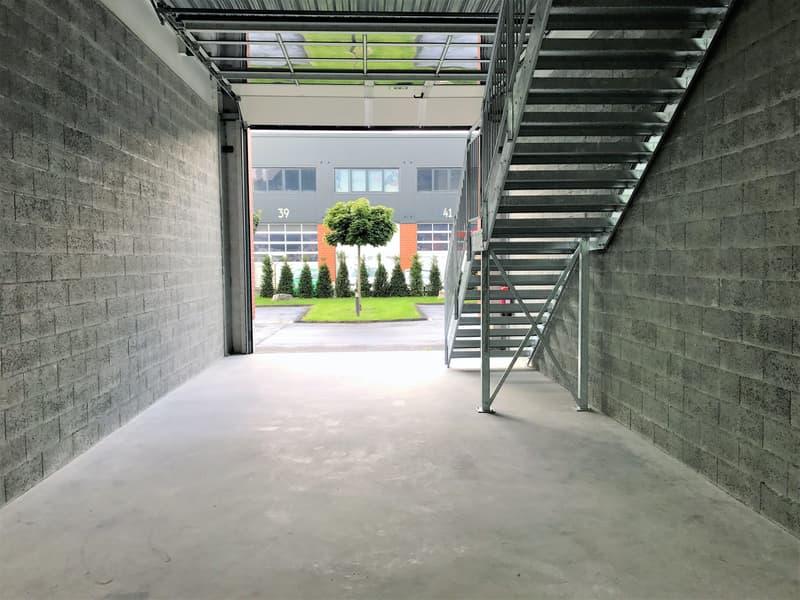 Atelier, dépôt, locaux de 110 m2 à louer au Bouveret