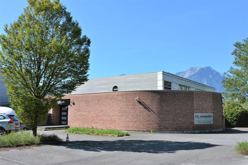 Bureaux, locaux de 200 m2 divisibles à partir de 100 m2 à louer à Villeneuve