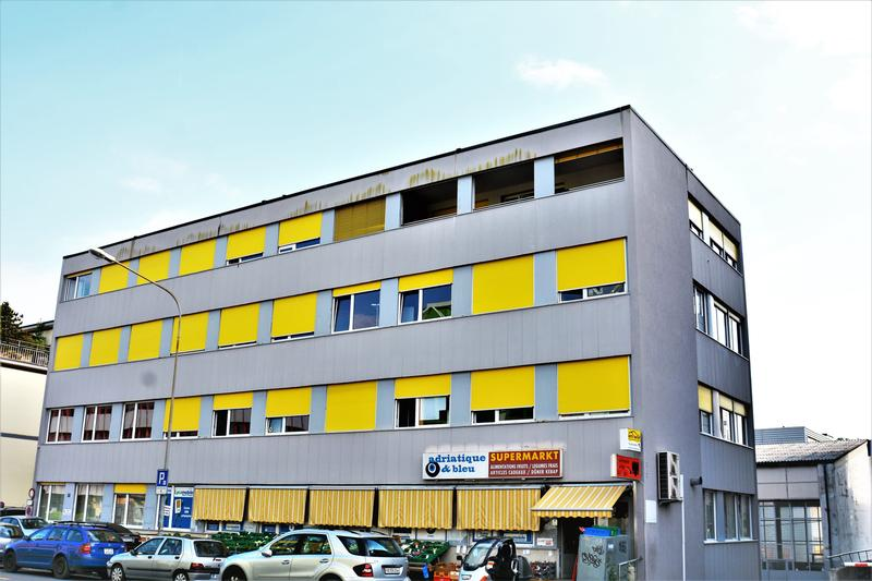 Bureaux, locaux de 100 m2 divisibles à louer à Renens