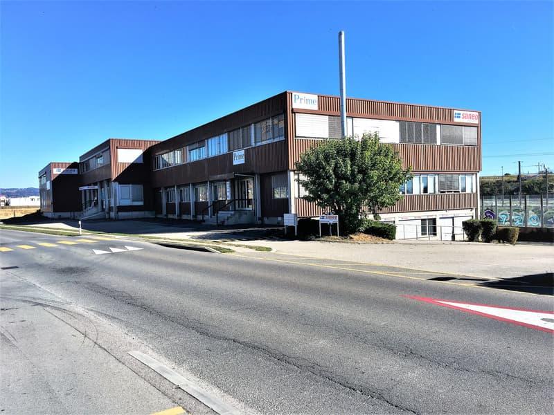 Bureaux, locaux de 86 m2 divisible à partir de 43 m2 a louer à Lonay