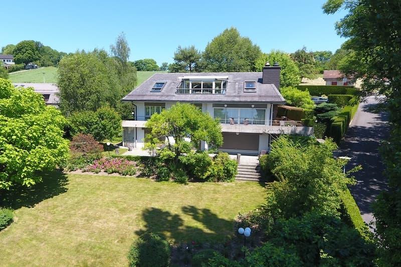 Spacieuse villa, environnement verdoyant