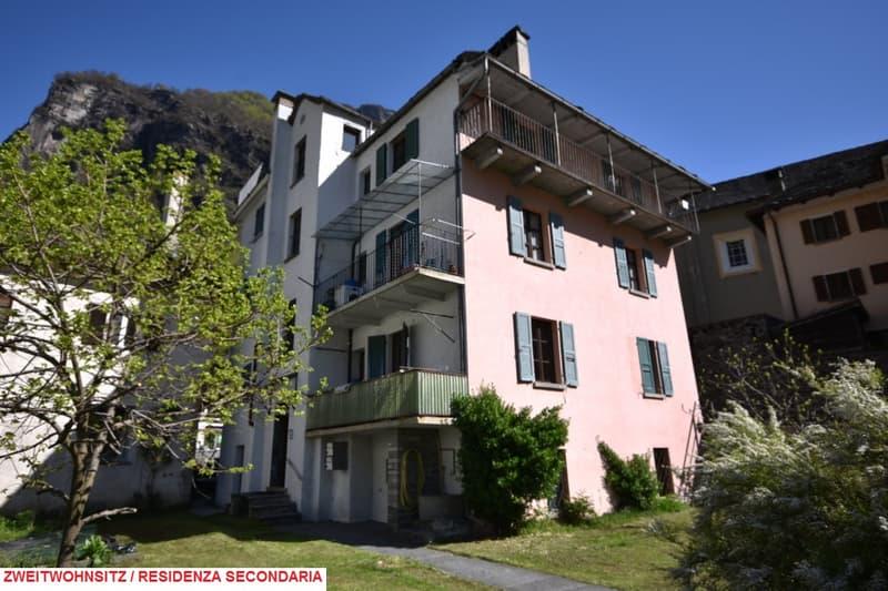 Grosses Tessinerhaus / Spaziosa casa ticinese