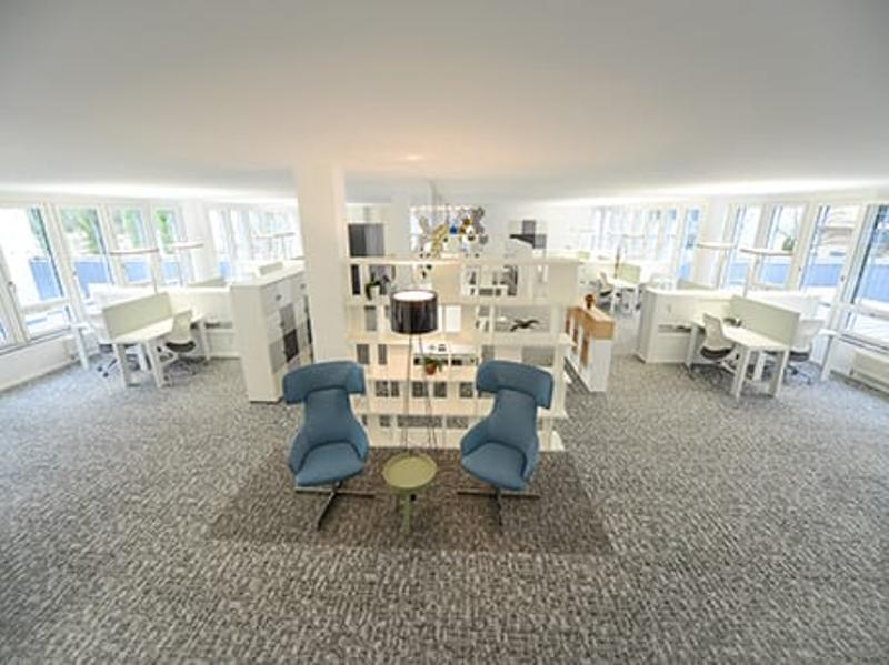 Regus Center im World Trade Center Zürich! Business Lounge Gold. Nie mehr alleine arbeiten!