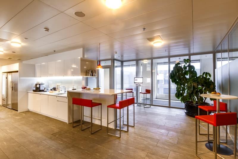 Regus Center beim Flughafen Zürich! Business Lounge Gold. Nie mehr alleine arbeiten!