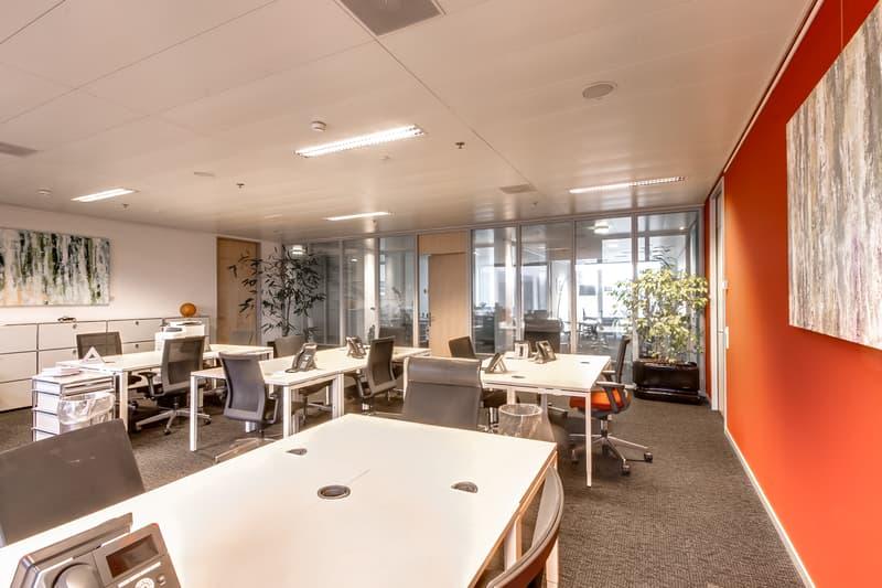 Ihr eigenes Grossraumbüro am Flughafen Zürich! Modern und voll ausgestattet!