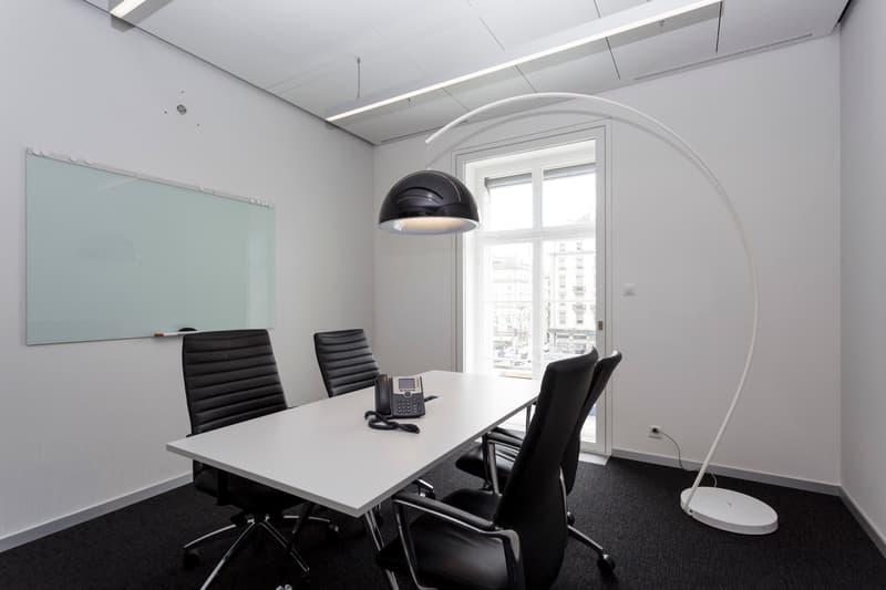 Votre bureau privé - pour 3 à 4 personnes à Genève Cornavin! Réservez dès aujourd'hui!