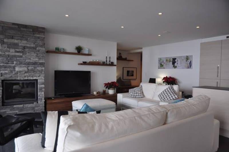 Appartement à louer à la semaine sur la place du village piétonne