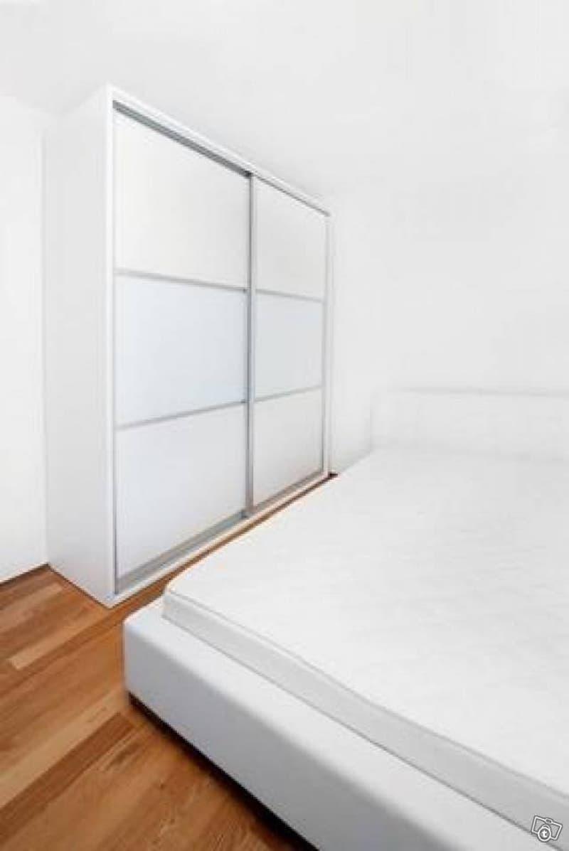 modern möbliertes Zimmer in Winterthur (1)