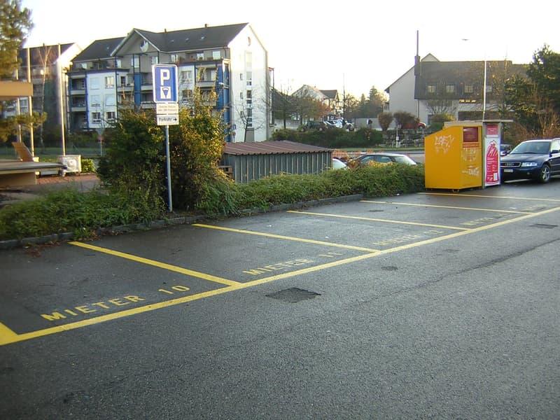 Parkplatz am Bahnhof Schwerzenbach zu vermieten