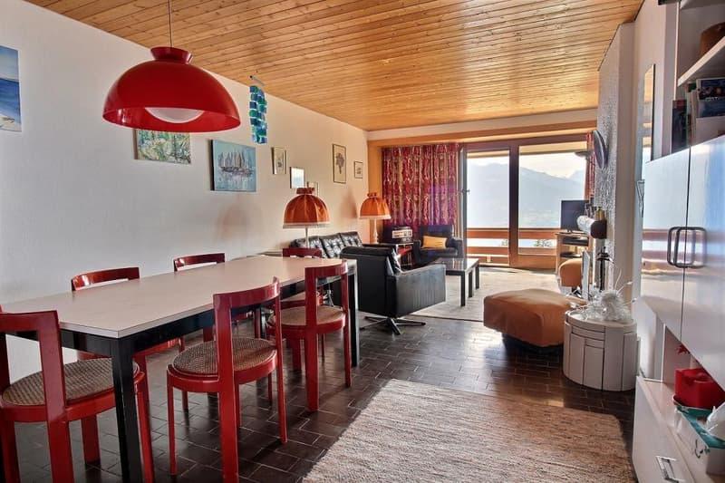 Appartement à louer à la semaine sur la place du village