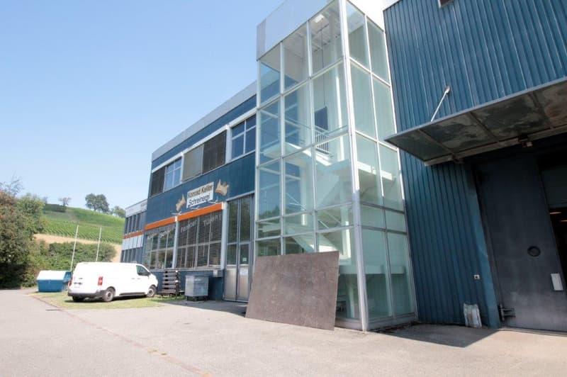 Lagerraum / Werkstatt im 1.OG mit Warenlift