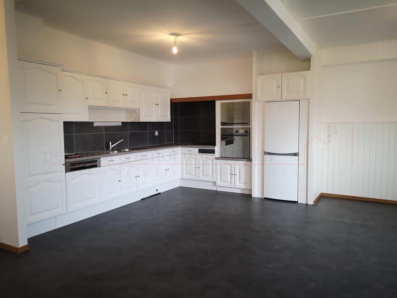 1er loyer offert - Magnifique 2.5 pièces en duplex de 83 m2 avec grande véranda - Lucens