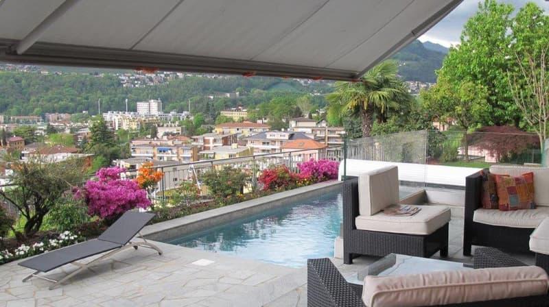 Esclusivo appartamento in villa con piscina