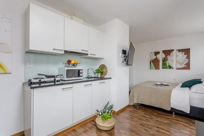Modernes Deluxe Studio Apartment in Oerlikon