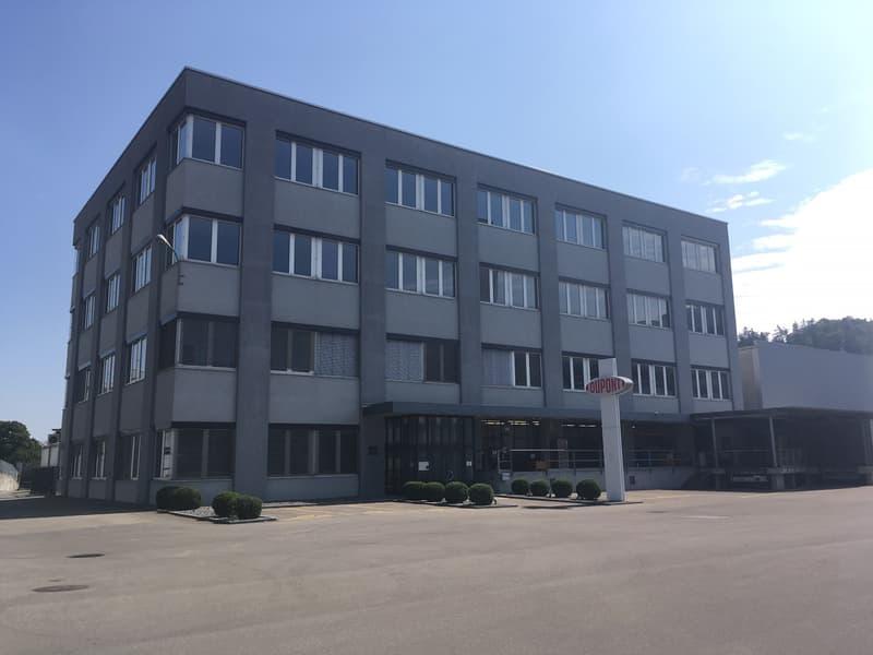 Büroräumlichkeiten im 2. + 3. OG im Industrie- und Gewerbepark Schwerzi zu vermieten