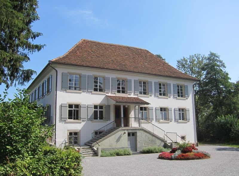 Villa Kym  Haupteingang