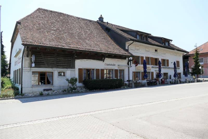 Wohn- und Geschäftshaus im Zentrum von Attiswil