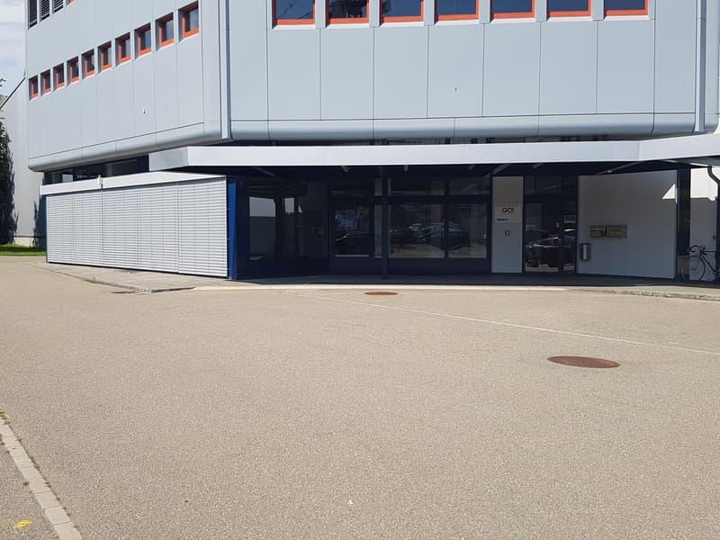 helles, grosszügiges Büro mit ca. 180m2 an guter Lage in Wülflingen zu vermieten (4)