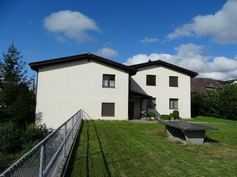 3 1/2 Zimmer-Dachwohnung mit Bastelraum an ruhiger Aussichts-Lage