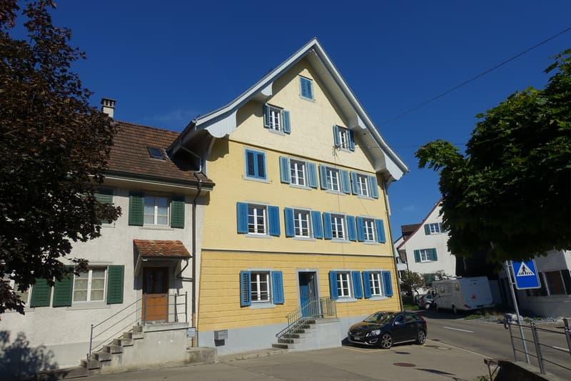Moderne Altbauwohnung mit Gartensitzplatz. Die ersten zwei Monate gratis Wohnen!
