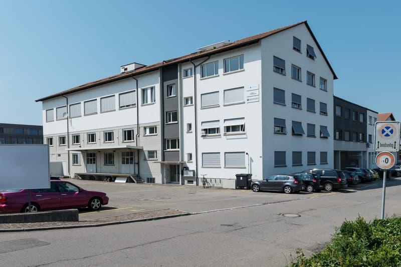 Grosse Werkstatt/Atelier/Kreativräume inkl. ausgebauten Büroräumen