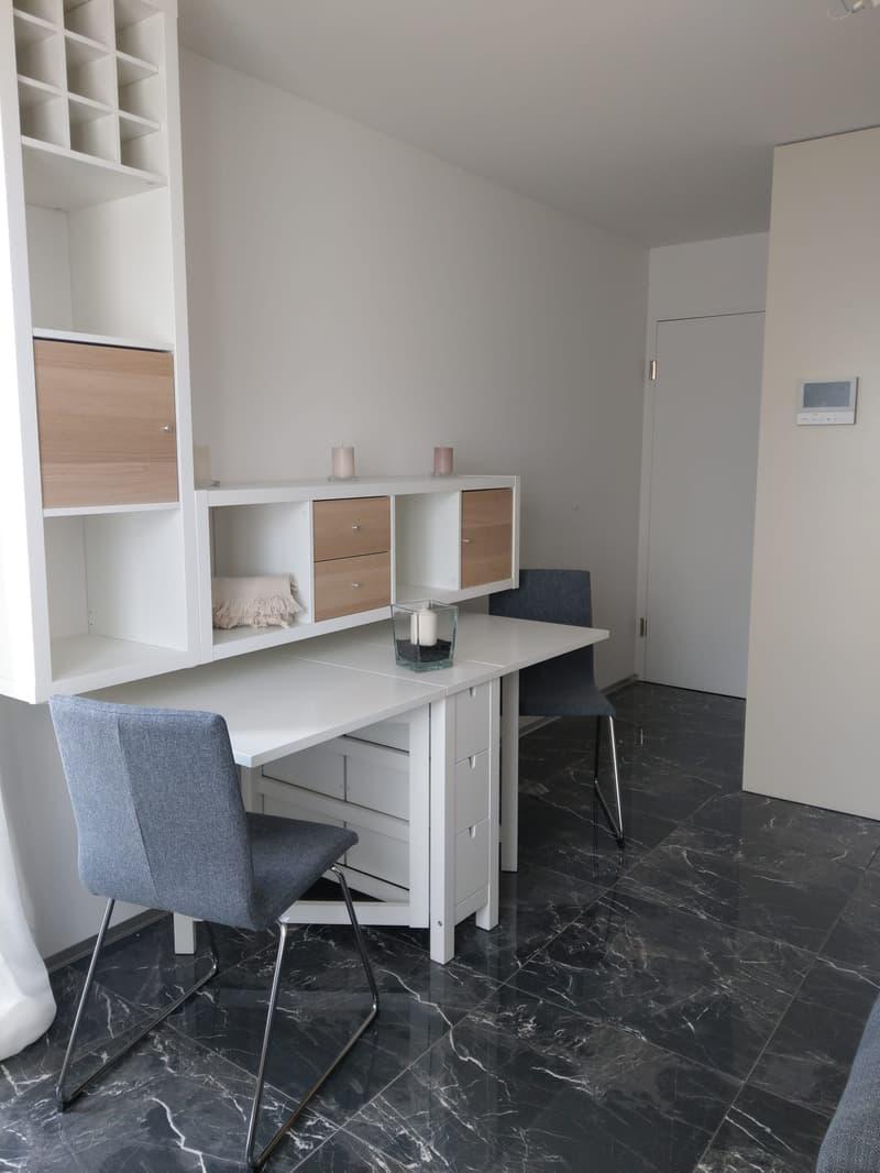 Exklusives, komplett eingerichtetes 1-Zimmer Studios mit Mikrowelle & Waschmaschine