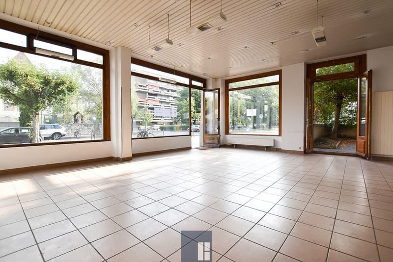 85 m2 - Arcade au rez-de-chaussée