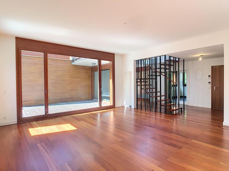 Cologny - Superbe duplex de 6 pièces au coeur dun parc de 6'000 m²