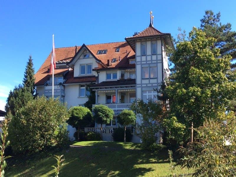 Attika in einer historischen Villa mit Panoramasicht!