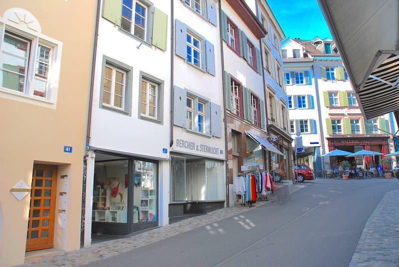 Ein Stück Basler Stadtgeschichte am Spalenberg 5-geschossiges Stadthaus mit Laden u. 90 qm-Wohnung