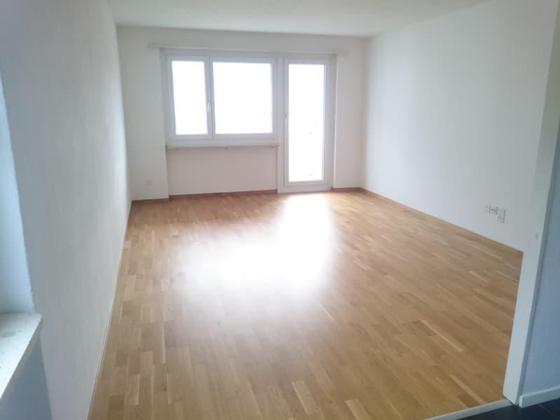 Wohnzimmer (ähnlicher Ausbaustandart)