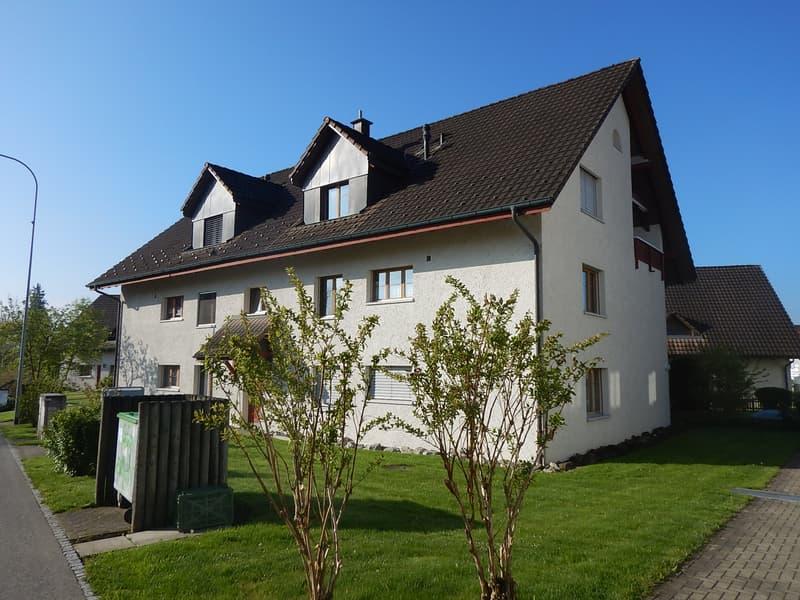 Zu vermieten: Schöne 3.5 Zimmer Dachwohnung mit Balkon