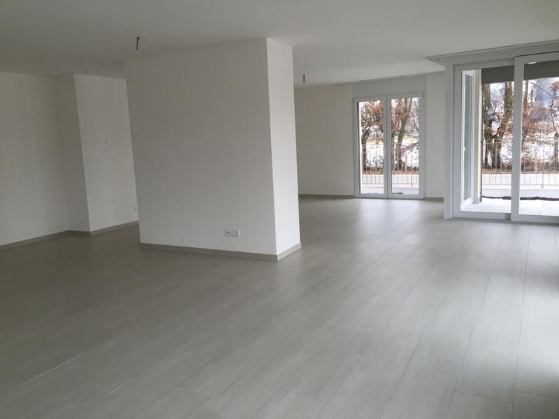 Modernes und Helles - Büro/Atelier (2)