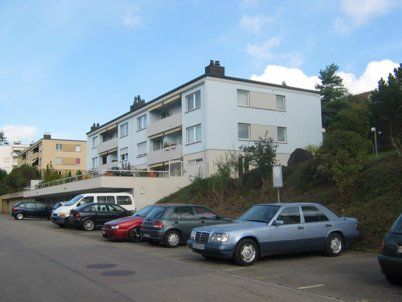 Parkplatz im Freien in Winkel-Rüti