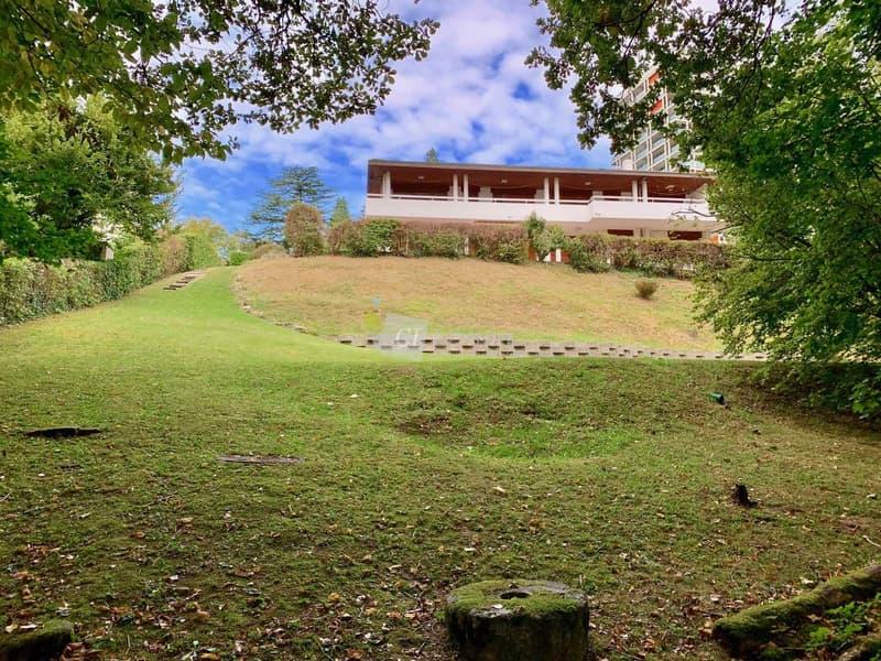 Maison individuelle de 390 m2 sur une parcelle de 4'500 m2