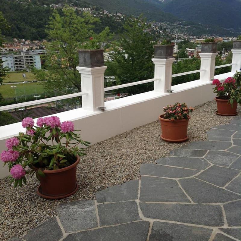 Ascona, 4.5 Zi. Villetta, 2. Wohnsitzbewilligung, ebener Garten, Wintergarten, Kamin