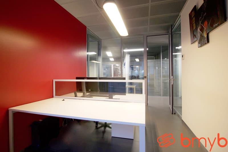 Très beau bureau modernes et équipés de 15m2 pour 1 à 3 pers. - accès salle de réunion partagée