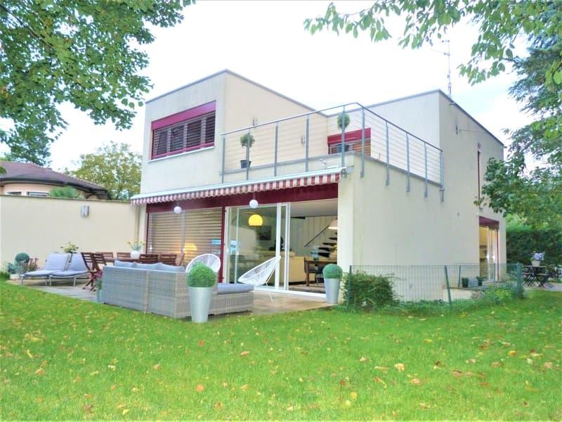 Belle maison individuelle de 5 P à Veyrier.