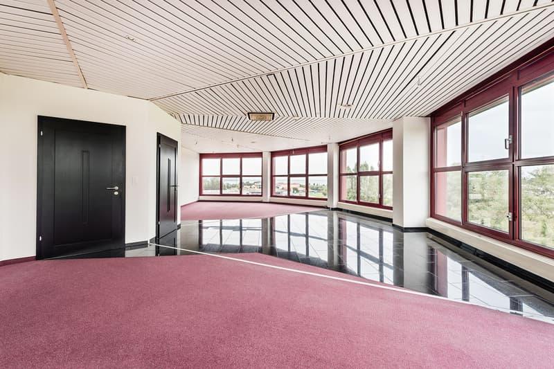 Ihr neuer Geschäftssitz mit exklusiver Aussicht über den Bodensee!