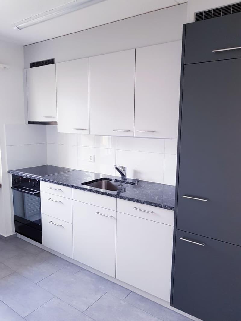 helle Wohnung mit NEUER Küche - Bad